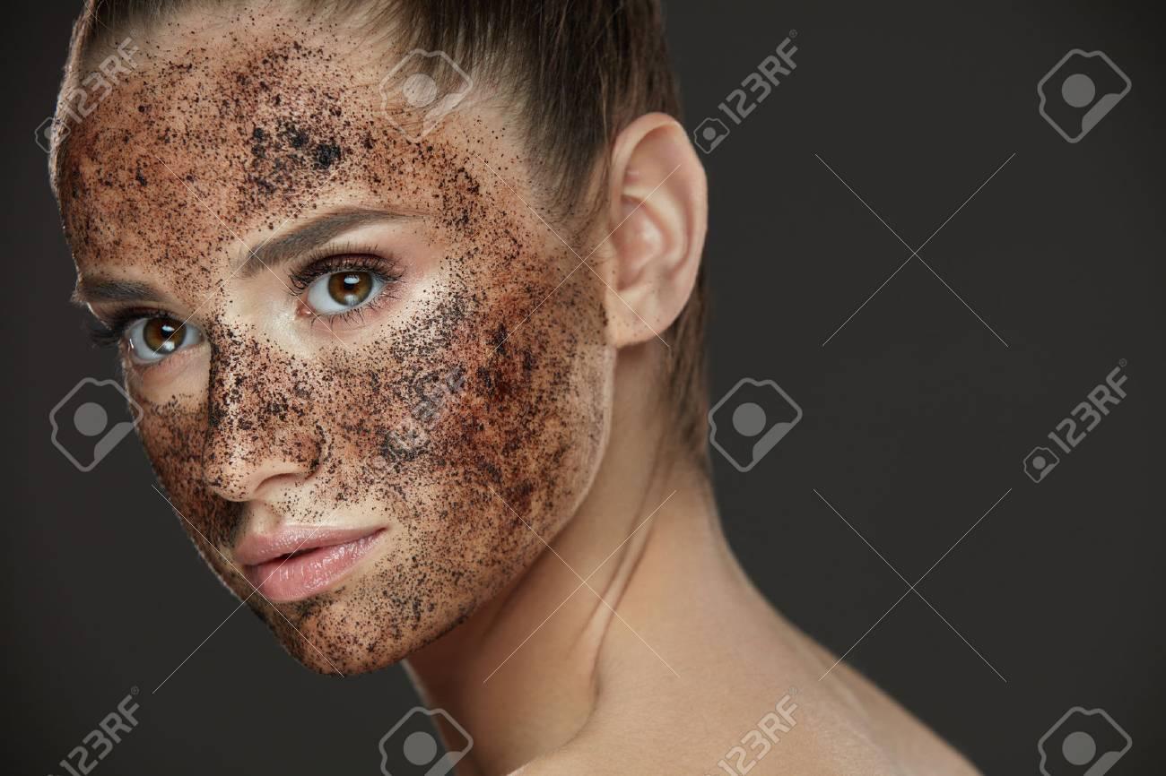 maschera facciale trucco