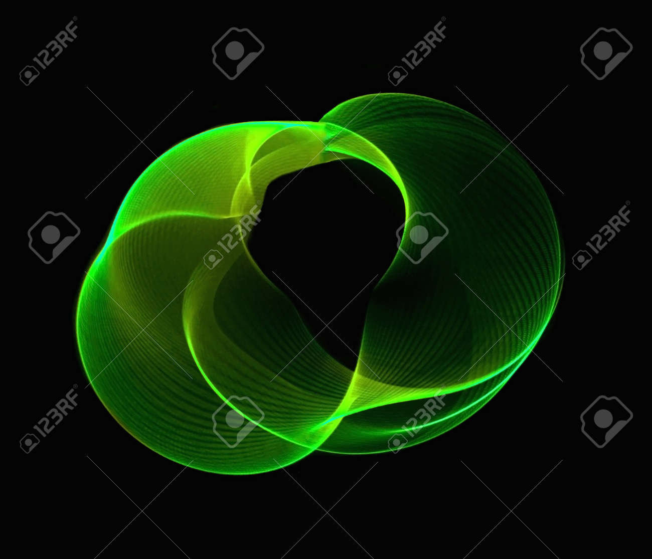 Green internet light wave showing fully connected circle Stock Photo - 4316694