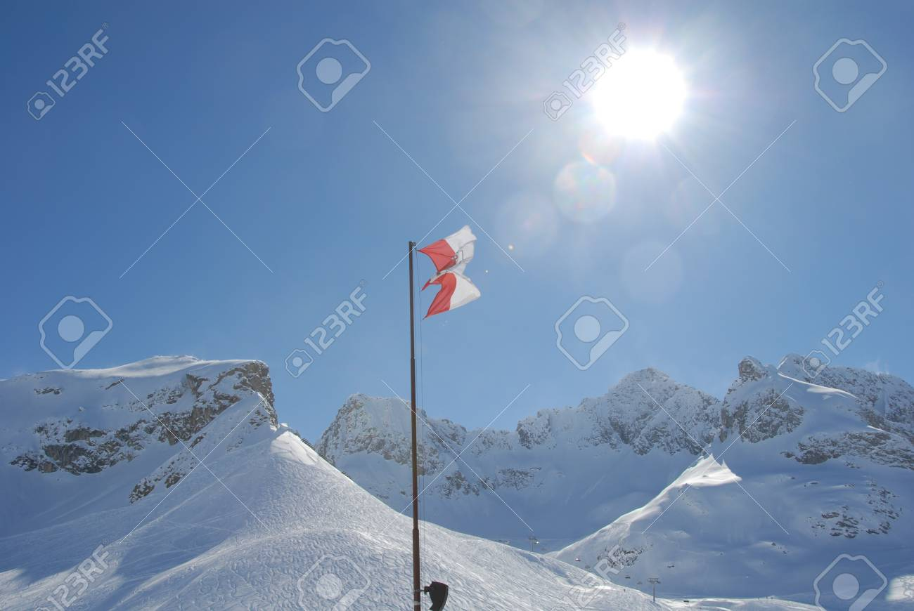 Winter in the mountains Stock Photo - 20252583