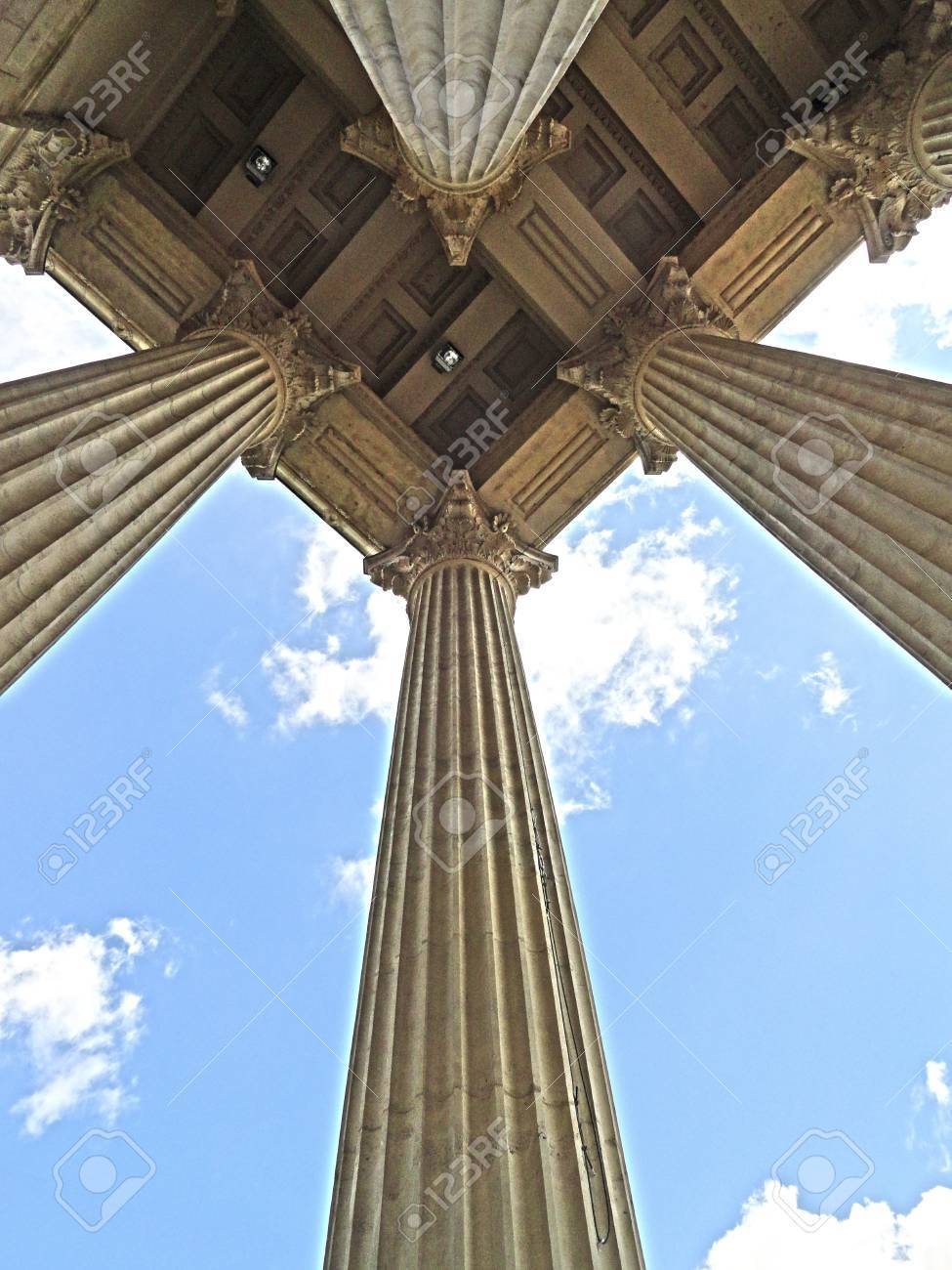 Perspective of neoclassical columns Stock Photo - 20978738