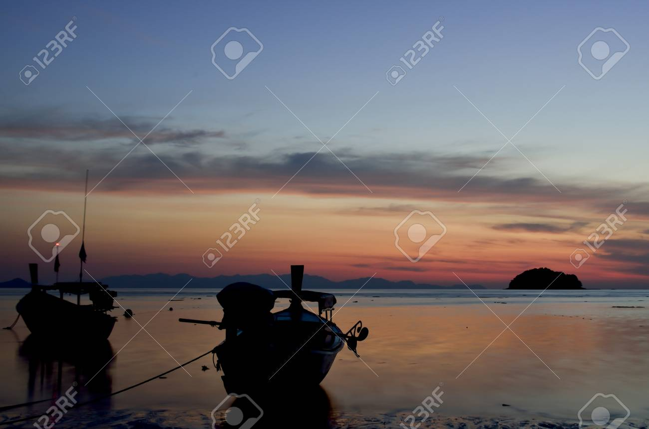 Sunrise at Koh Lipe island,Thailand Stock Photo - 17768587