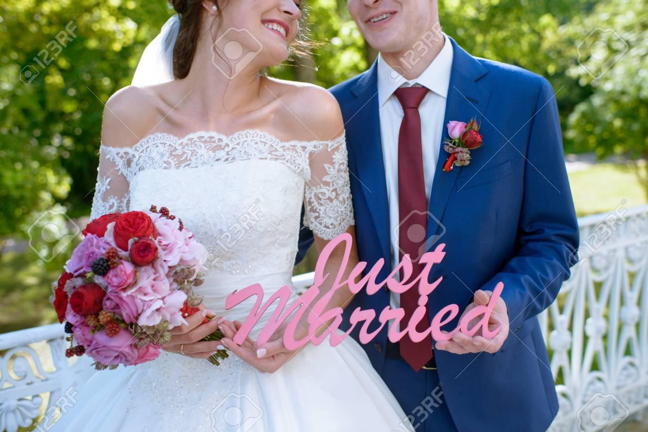 Ungewöhnlich Frauen Weißen Kleid Anzug Hochzeit Ideen - Brautkleider ...