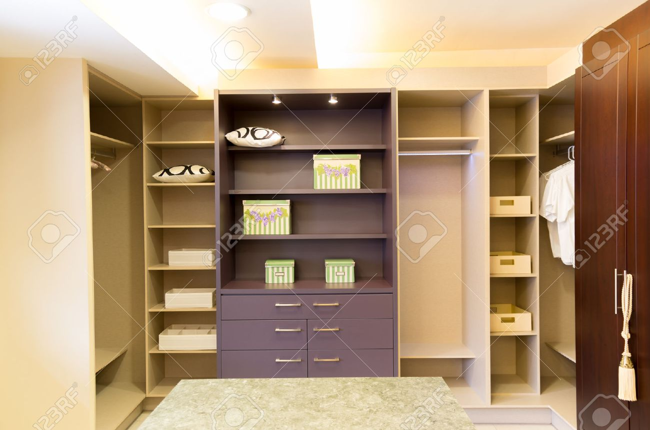Spacious Beautiful And Modern Walk In Closet Stock Photo   31147350