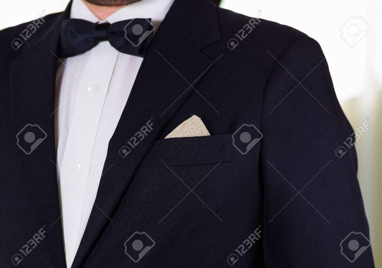 Closeup Mannes Brustbereich Tragen Formalen Anzug Und Bowtie, Männer ...