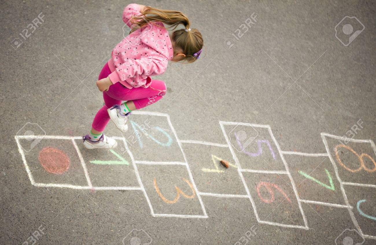 beautiful litlle girl on the hopscotch - 29004029