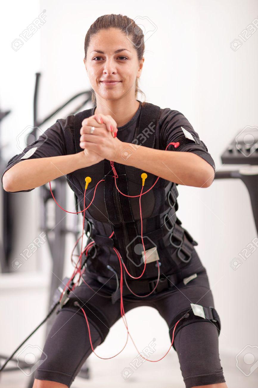 ems electro muscular stimulation exercise - 34300823
