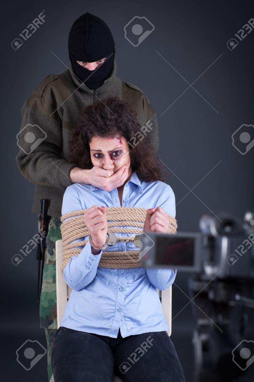 Девушка наручники в чате