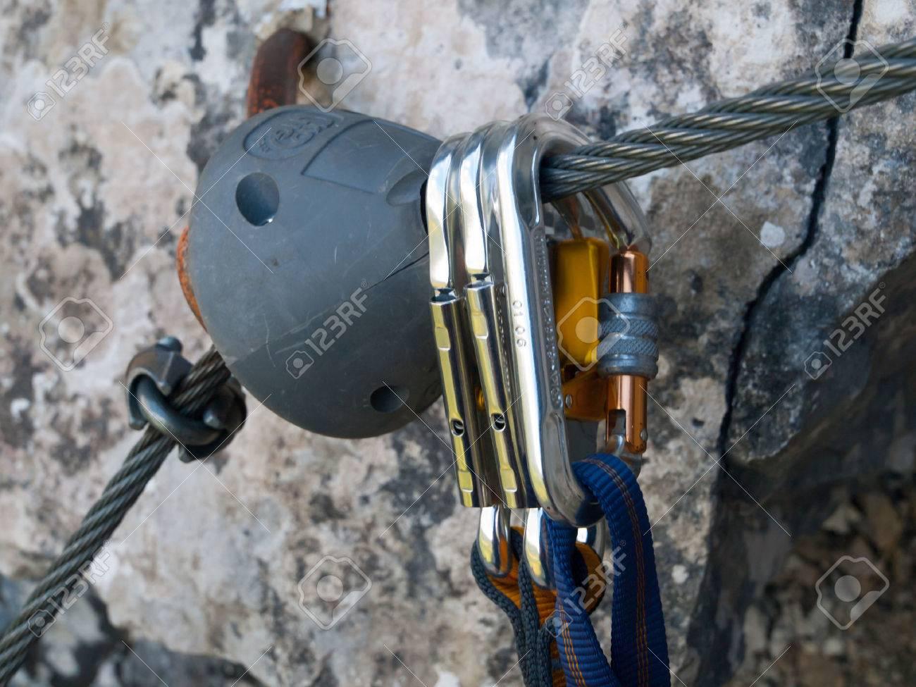 Kletterausrüstung Klettersteig : Snap haken an der metallseil kletterausrüstung für klettersteig