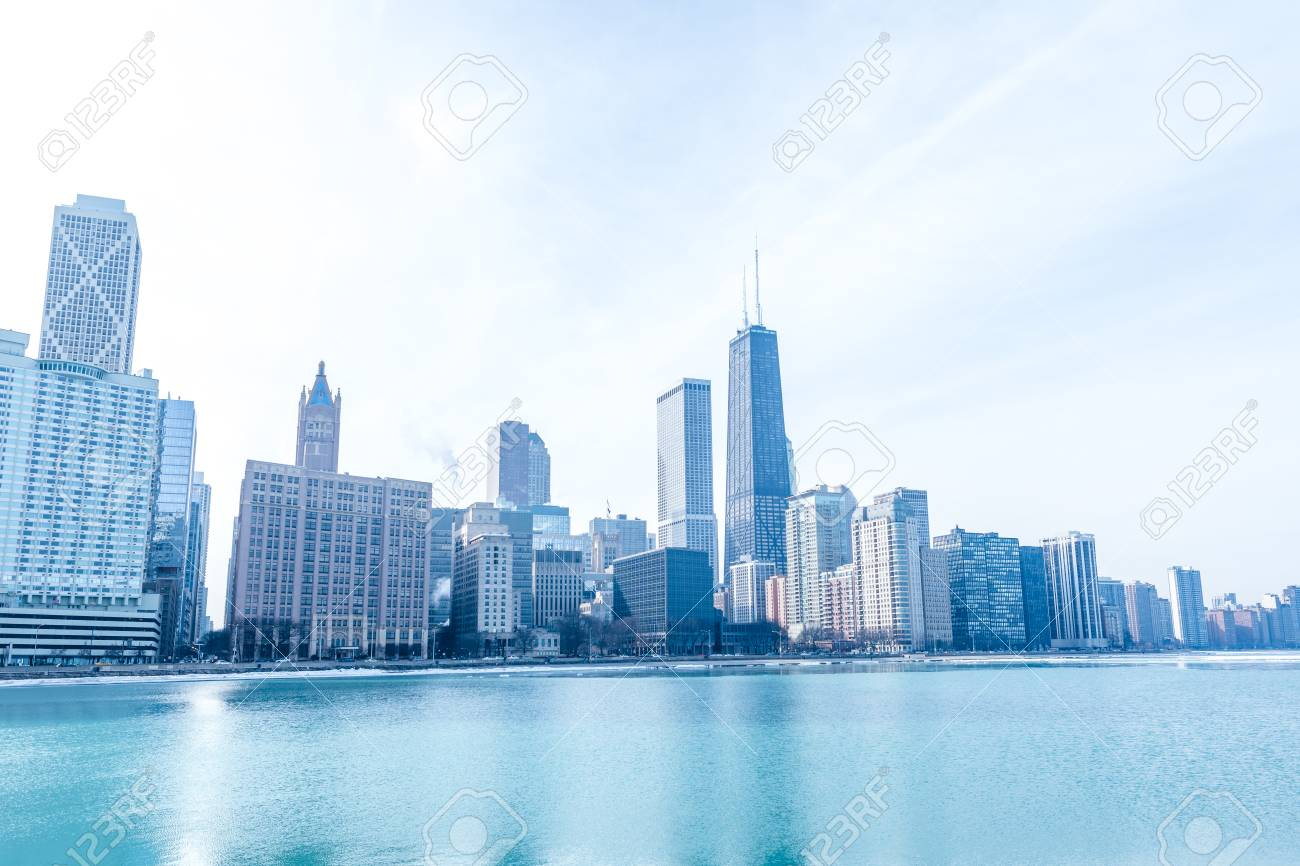 Chicago downtown panorama by the lake on a winter day - 97057265