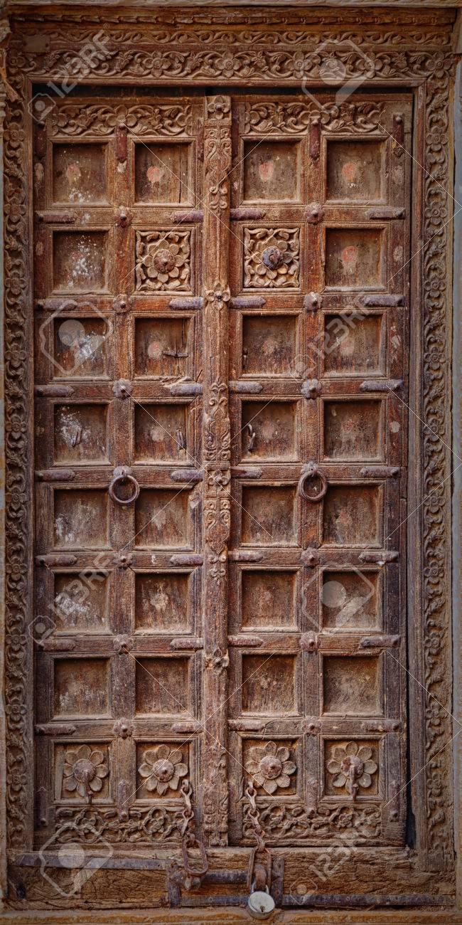 Jaisalmer Rajasthan Inde Ancienne Porte En Bois Tordu Lentrée