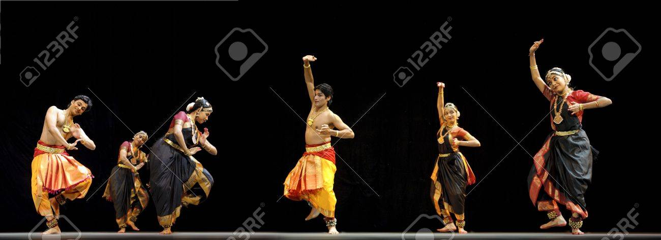 """CHENGDU - OCT 24: Indian folk dance """"Shankara Sri Giri""""performed by Kalakshetra dance institute of India at JINCHENG theater during the festival of India in china.OCT 24,2010 in Chengdu, China. Stock Photo - 8161181"""