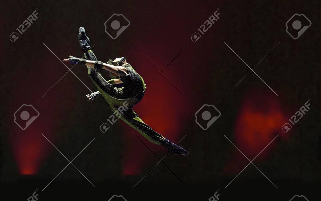 CHENGDU - DEC 13: Group dance   Stock Photo - 8185448