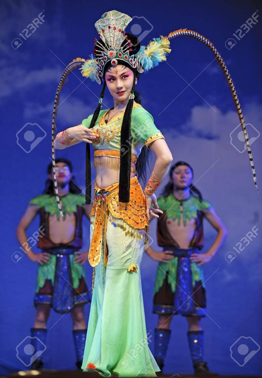 CHENGDU - JUL 23: Chinese opera