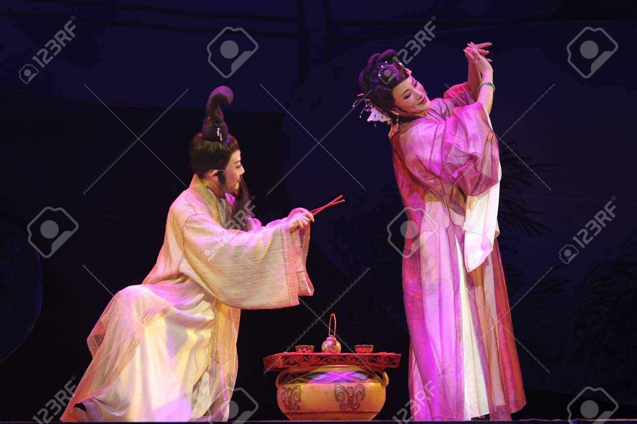 CHENGDU - MAY 31: chinese Yue opera performer make a show on stage to compete for awards in 25th Chinese Drama Plum Blossom Award competition at Experimental theater.May 31, 2011 in Chengdu, China.Chinese Drama Plum Blossom Award is the highest theatrica Stock Photo - 9690527