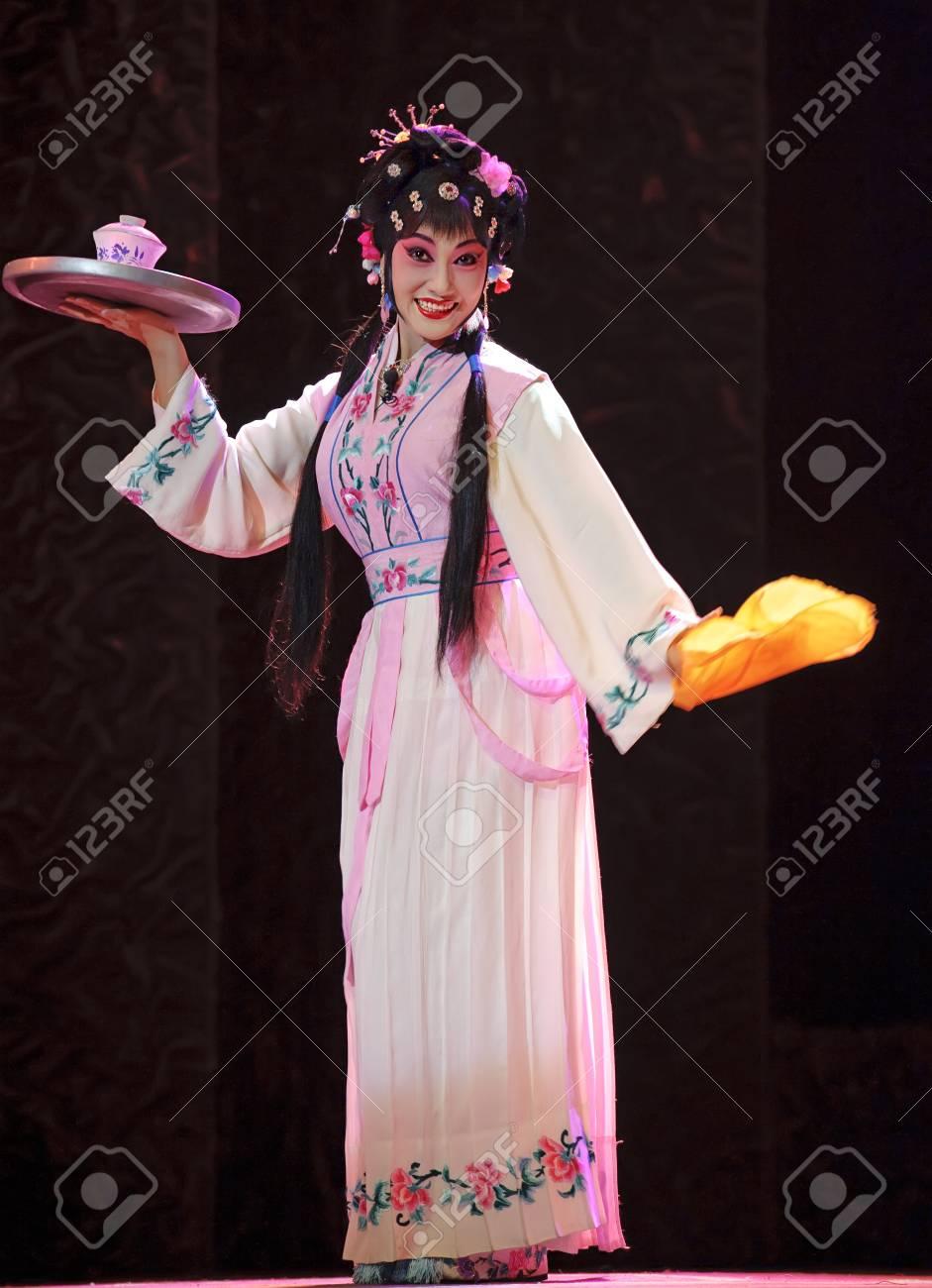 pretty chinese traditional opera actress Stock Photo - 10243673