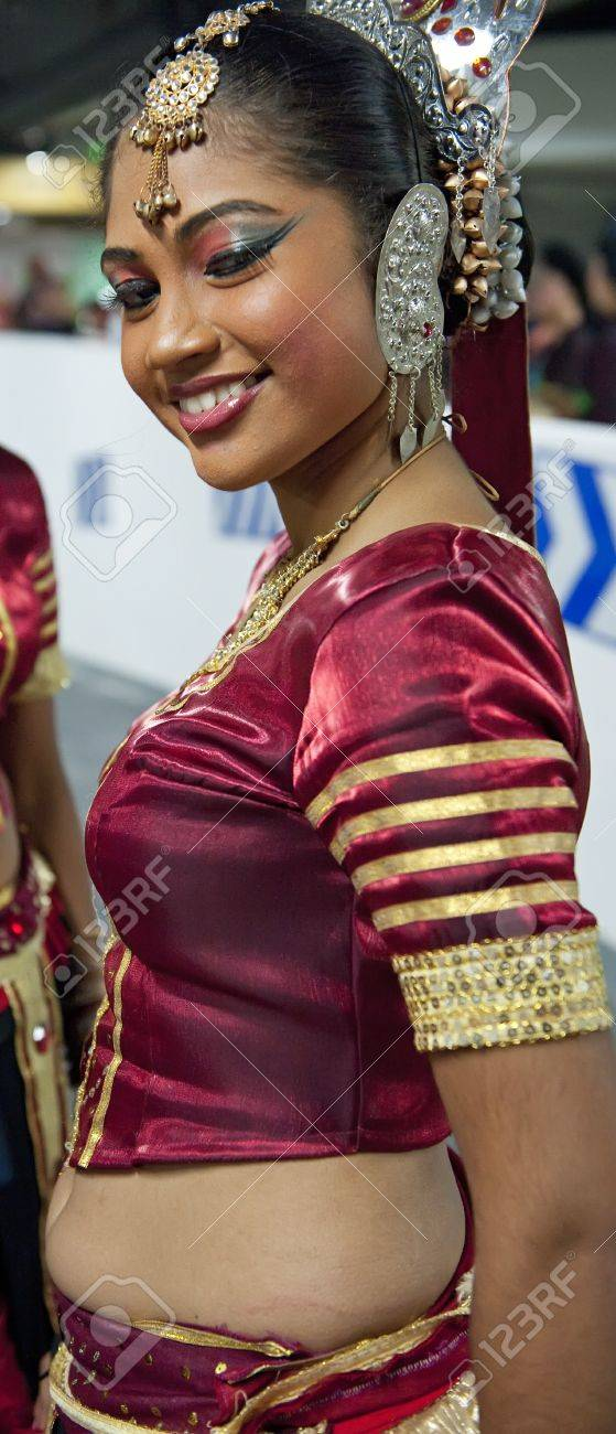 Stock Photo - CHENGDU - MAY 29:Sri Lankan girls perform traditional dance in the 3rd International Festival of the Intangible Cultural Heritage. - 11987570-CHENGDU-MAY-29-Sri-Lankan-girls-perform-traditional-dance-in-the-3rd-International-Festival-of-the-I-Stock-Photo