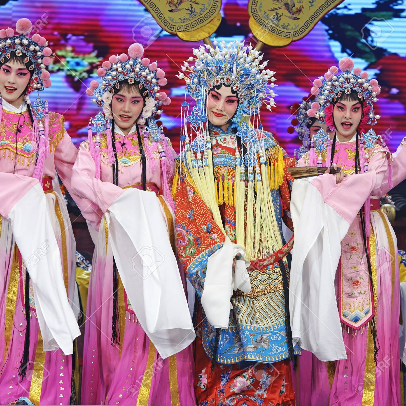 CHENGDU - JUN 4: chinese Hui opera performer make a show on stage to compete for awards in 25th Chinese Drama Plum Blossom Award competition at Xinan theater.Jun 4, 2011 in Chengdu, China.Chinese Drama Plum Blossom Award is the highest theatrical award i Stock Photo - 12143234