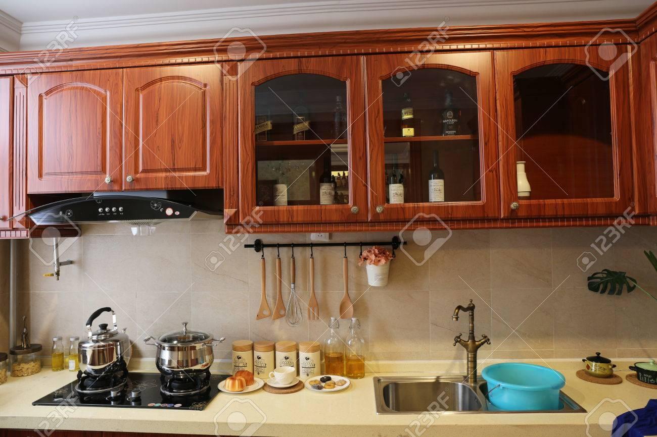 Cuisine Moderne à La Maison Avec Cuisine Banque D\'Images Et Photos ...