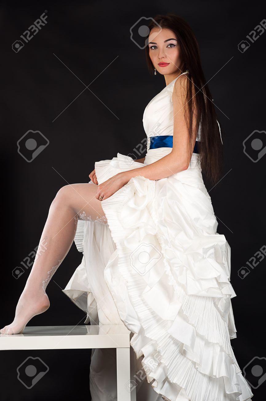 Невесты в красивых чулках фото 190-138