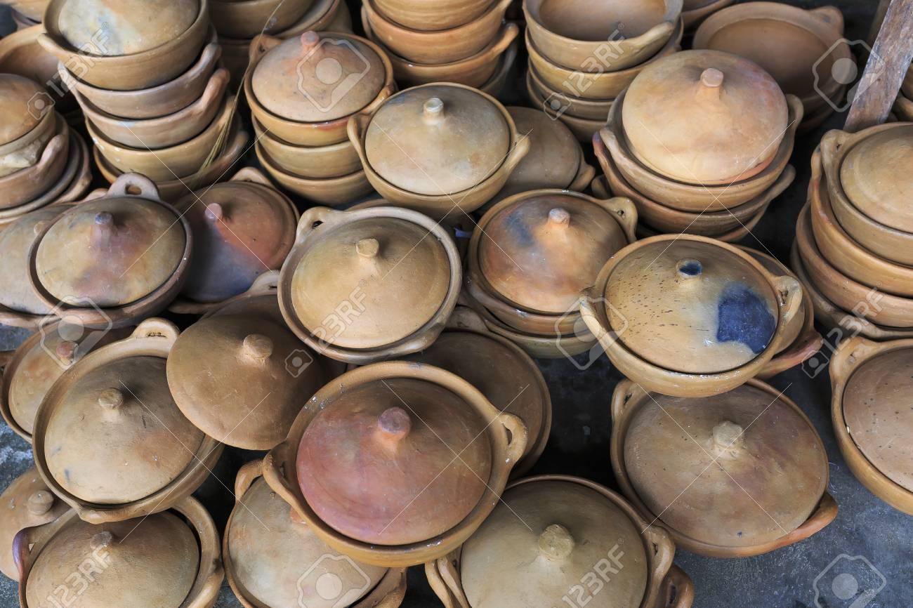 Pueblo De Cerámica Bau Truc Ollas De Barro Tradicional Artesanía En Vietnam Uso De Técnicas Tradicionales
