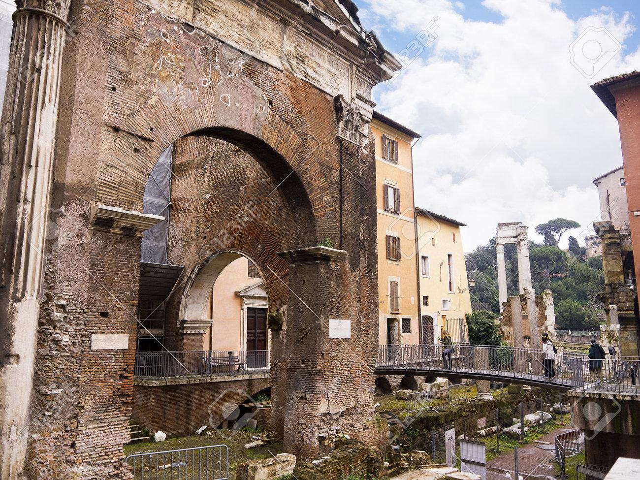 オッタヴィア、ローマ イタリア...