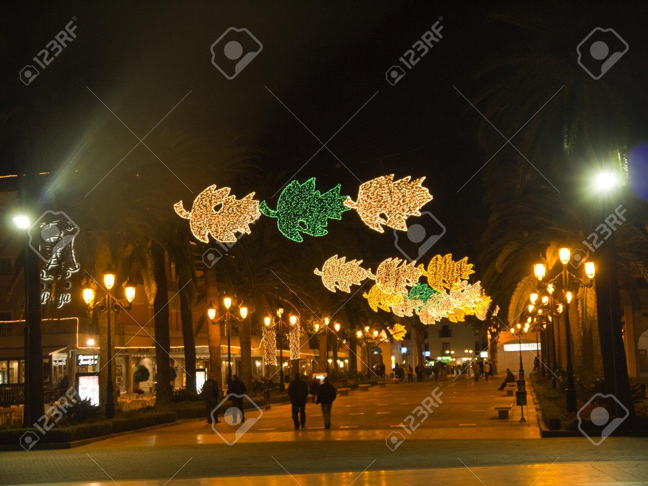 Les Decorations De Noel A Nerja Andalousie Espagne Banque D Images