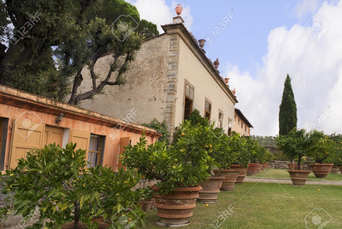 The Beautiful Gardens Of The Villa Gamberaia Overlooking Florence ...