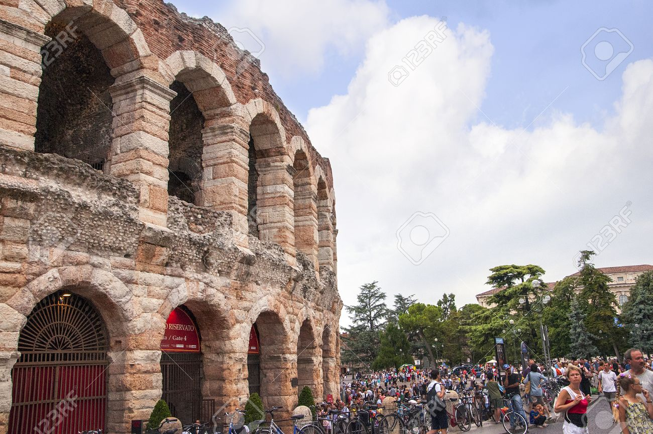 What is the importance of the city verona in Romeo and julliet?
