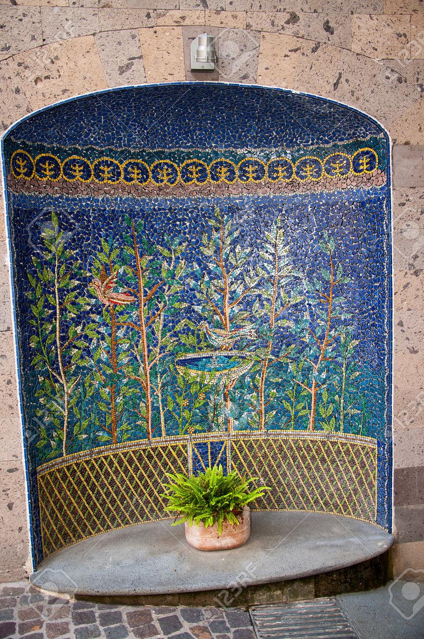 Malerisch Mosaik Garten Referenz Von Schöne Von Vögeln Und In Sorrento Italien