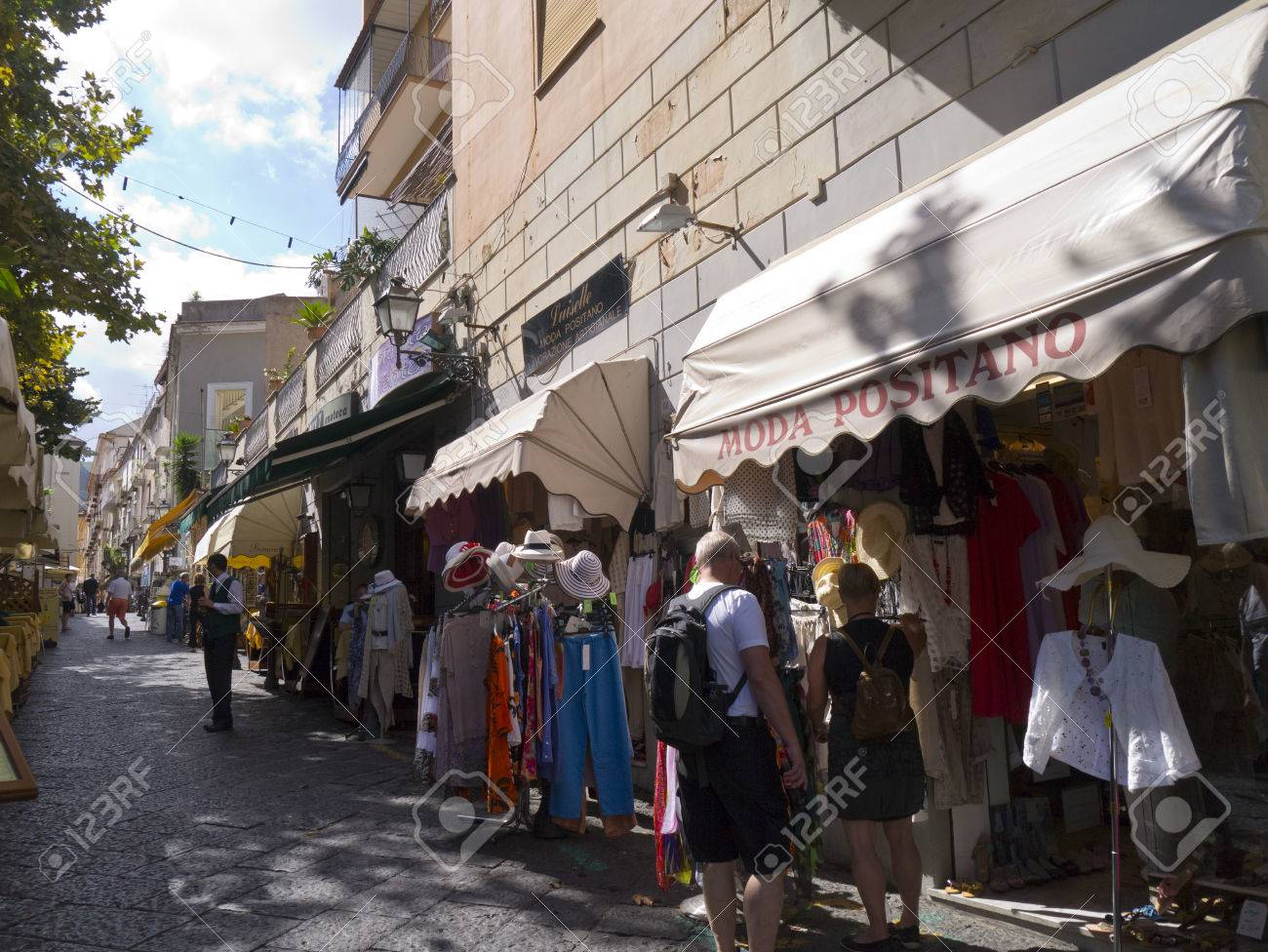0cc1061b71f1ea Winkelen In Sorrento Italië Royalty-Vrije Foto
