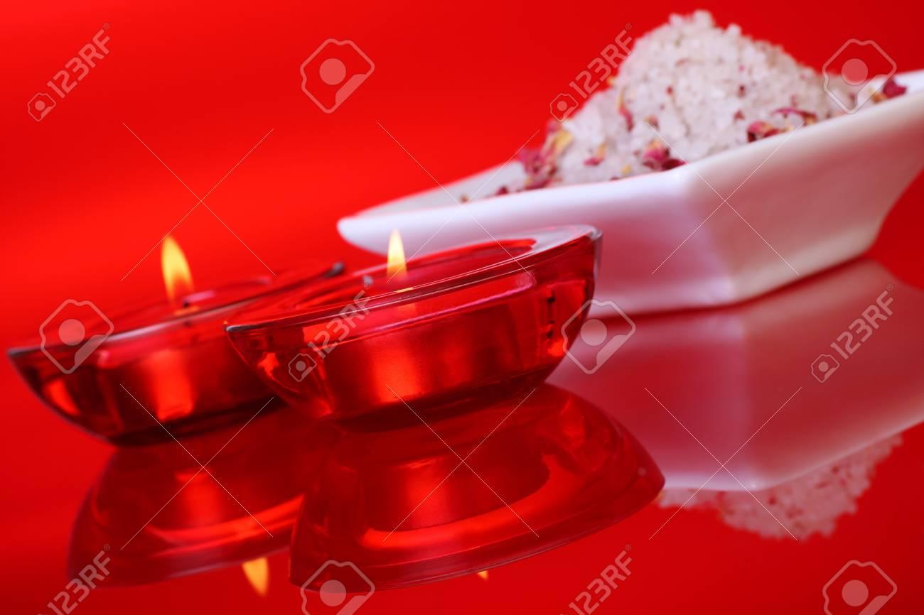 Ricetta Sali Da Bagno Profumati : Helleboro ricette naturali di bellezza scatolina con sali da bagno