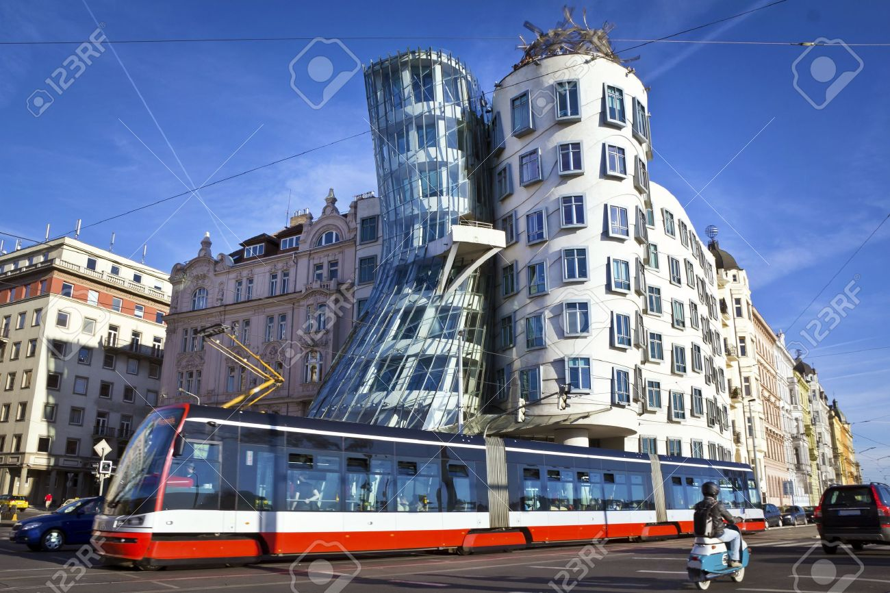 Dancing house, modern architecture design  Prague, Czech Republic Stock Photo - 15347301