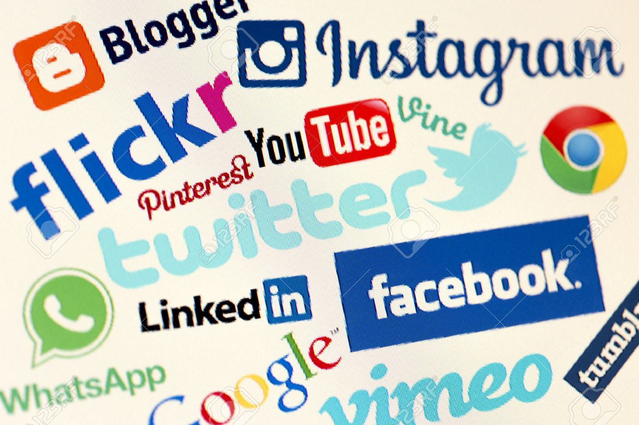 Grupo No. 1 31566590-BELGRADO-04-de-mayo-2014-Populares-logos-de-sitios-web-de-medios-sociales-en-la-pantalla-del-ordenad-Foto-de-archivo