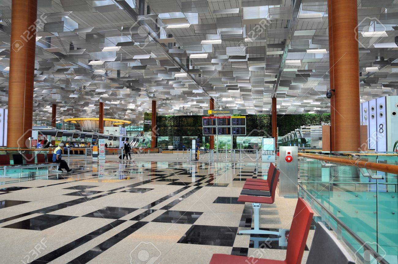Changi Airport in Singapore - Terminal 3 Architecture Standard-Bild - 13160932