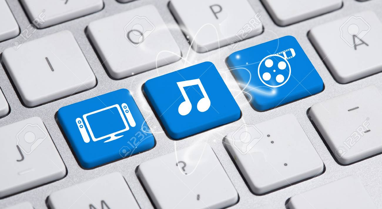 Social media button on a keyboard Stock Photo - 12685312
