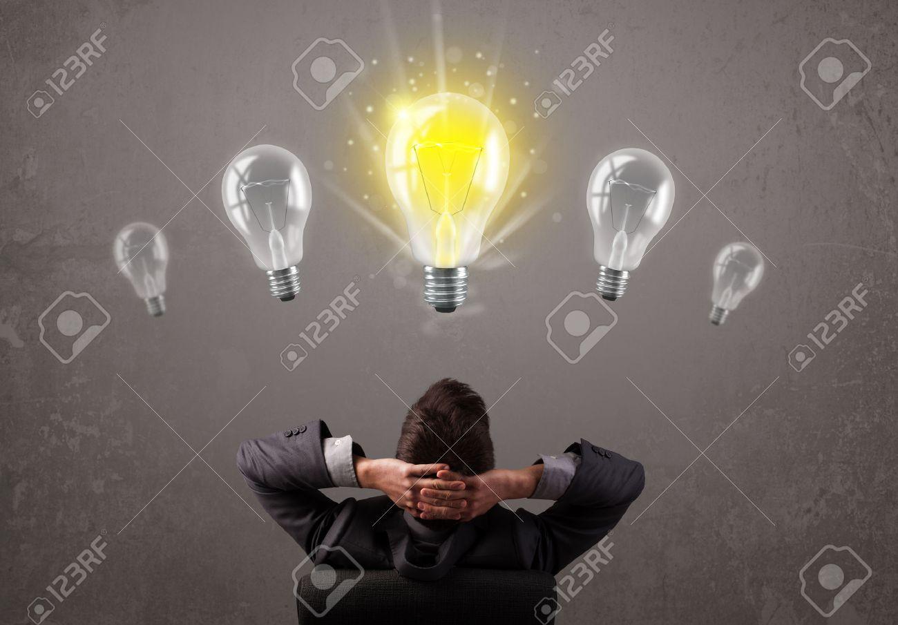 Gesch Ftsperson Die Eine Helle Idee Gl Hbirne Konzept Lizenzfreie