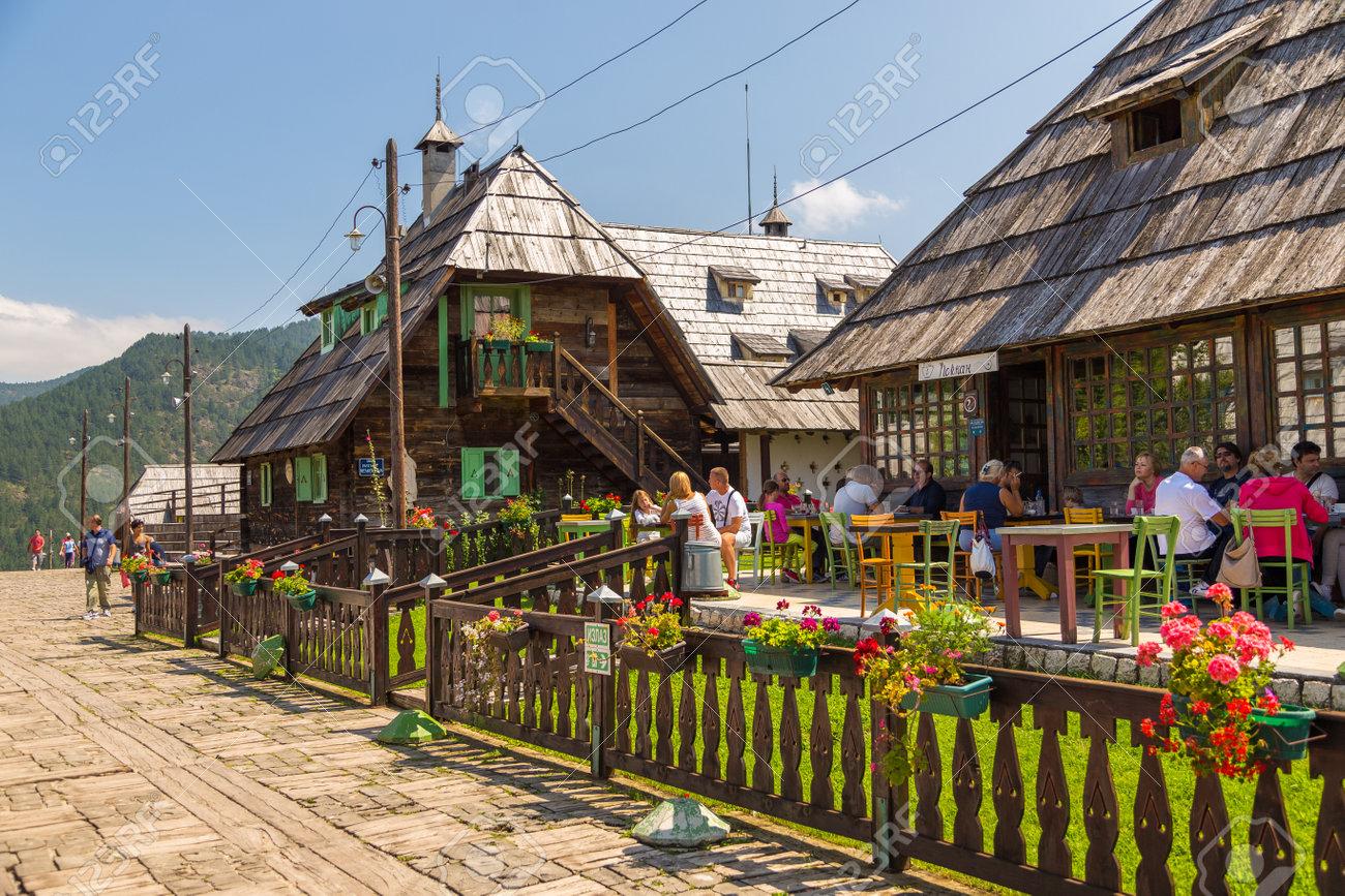 Rezultat iskanja slik za Drvengrad, Mokra gora
