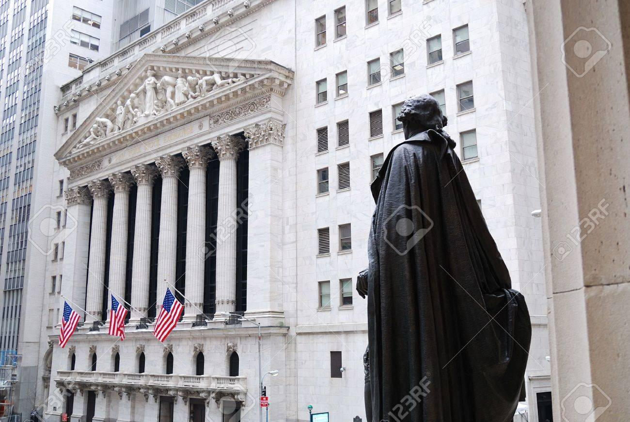 Wall Street, New York City, with Washington Statue and New York Stock Exchange. Stock Photo - 8042370