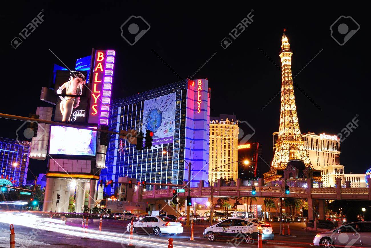 LAS VEGAS - MAR 4: Paris Las Vegas hotel and Casino featured with the theme of Paris in France on March 4, 2010 in Las Vegas, Nevada. Stock Photo - 8533012