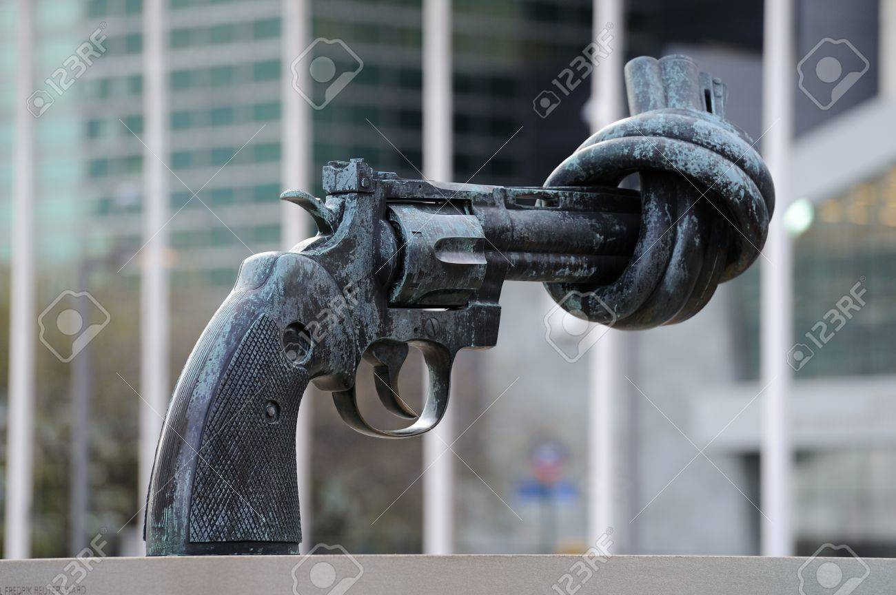 NEW YORK CITY, NY, USA - MAR 30: Non-Violence sculpture by Fredrik Reuterswärd was a gift from the Government of Luxembourg to the United Nations. March 30, 2011 in Manhattan, New York City.  Stock Photo - 9444806