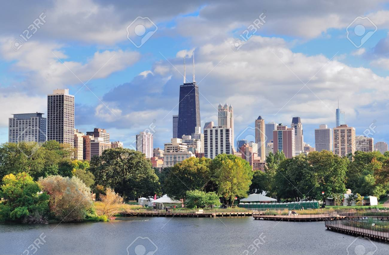 Chicago skyline with skyscrapers viewed from Lincoln Park over lake. Stock Photo - 12993125