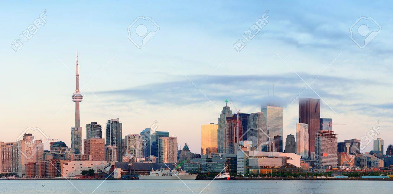 Toronto sunrise with sunlight reflection over lake in the morning Stock Photo - 18609108