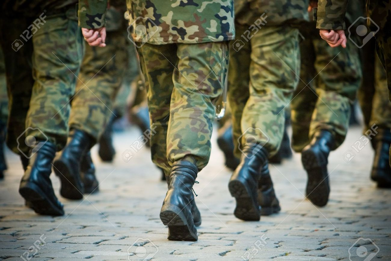 Soldiers march in formation - 3949030