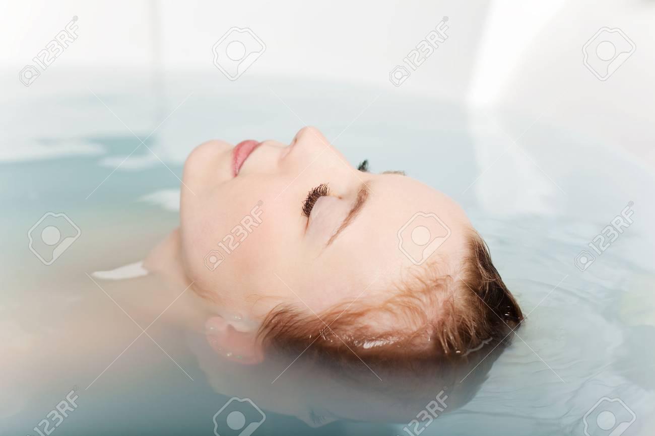 Просто женщины в ванной фото 25 фотография
