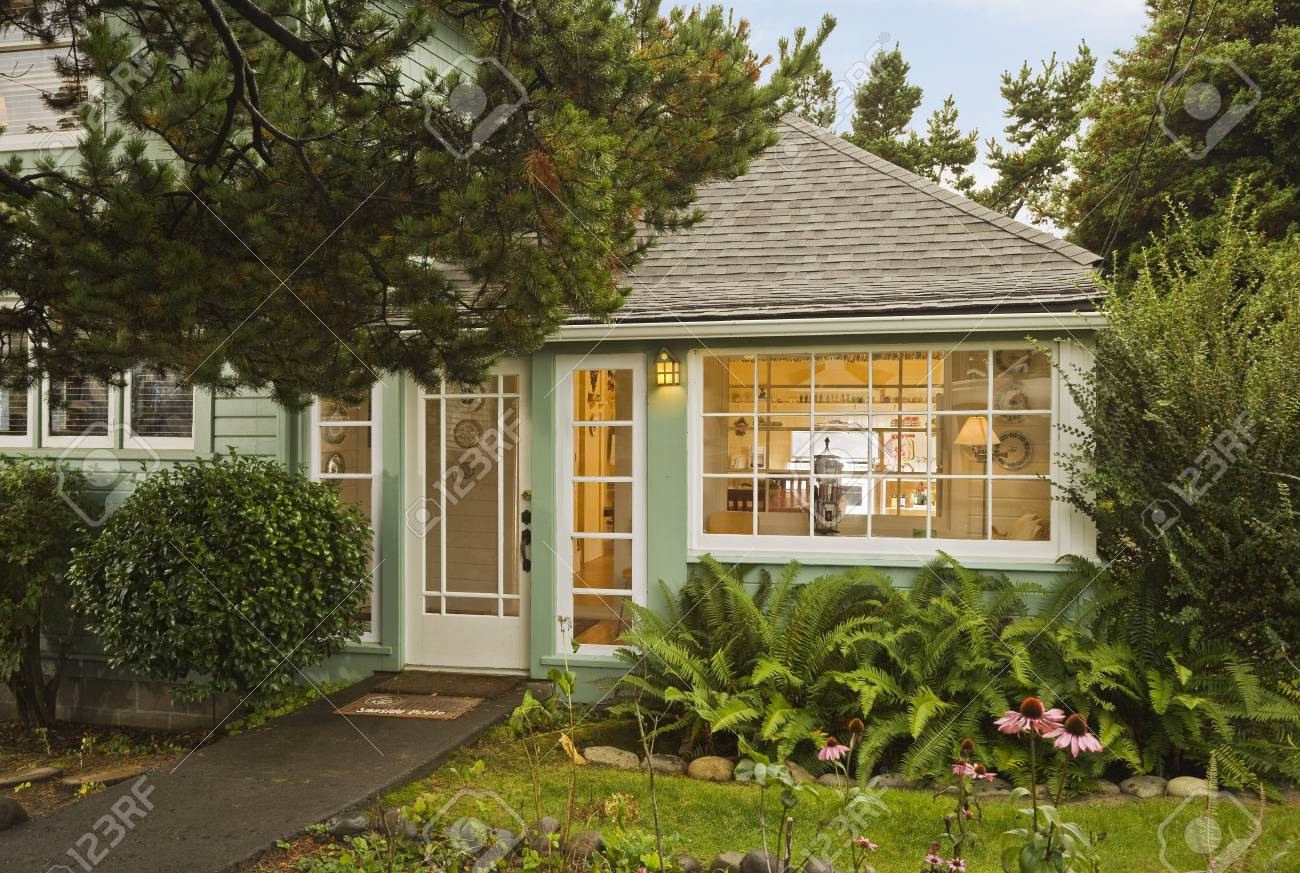 Brilliant Rental Cottage In Seaside Oregon Usa Home Interior And Landscaping Spoatsignezvosmurscom
