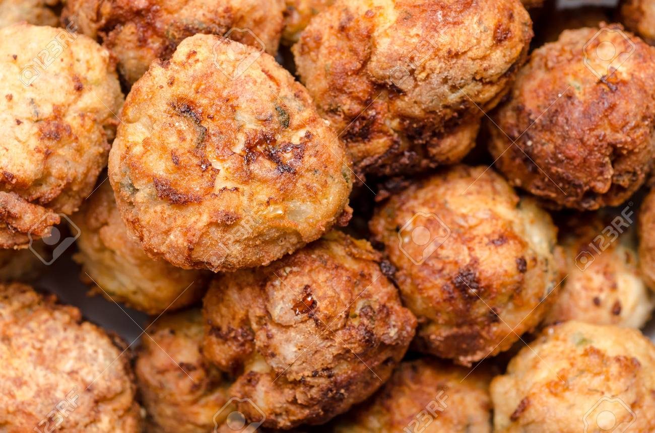 Delicious Pile Of Meat Balls Stock Photo - 18762609