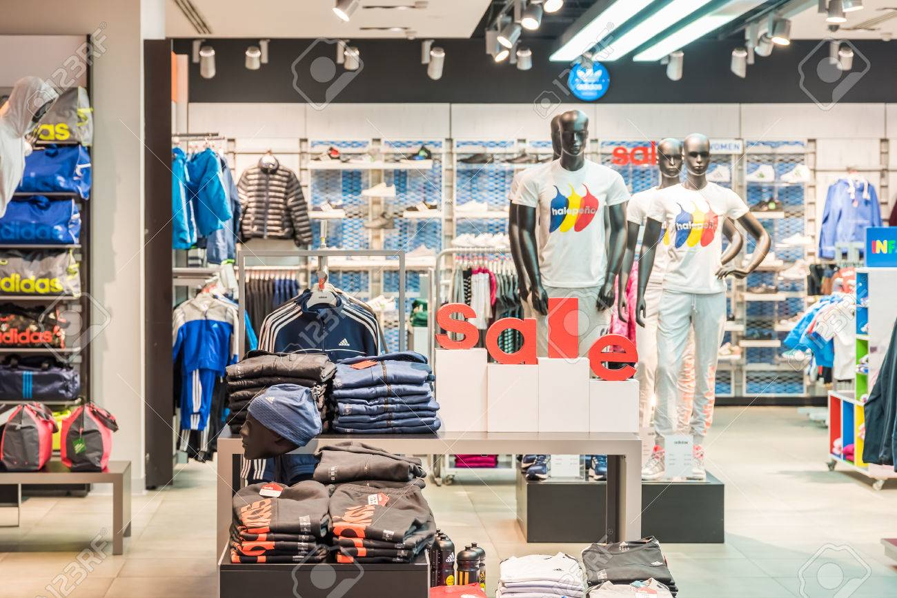 Clothing stores online. German clothes stores
