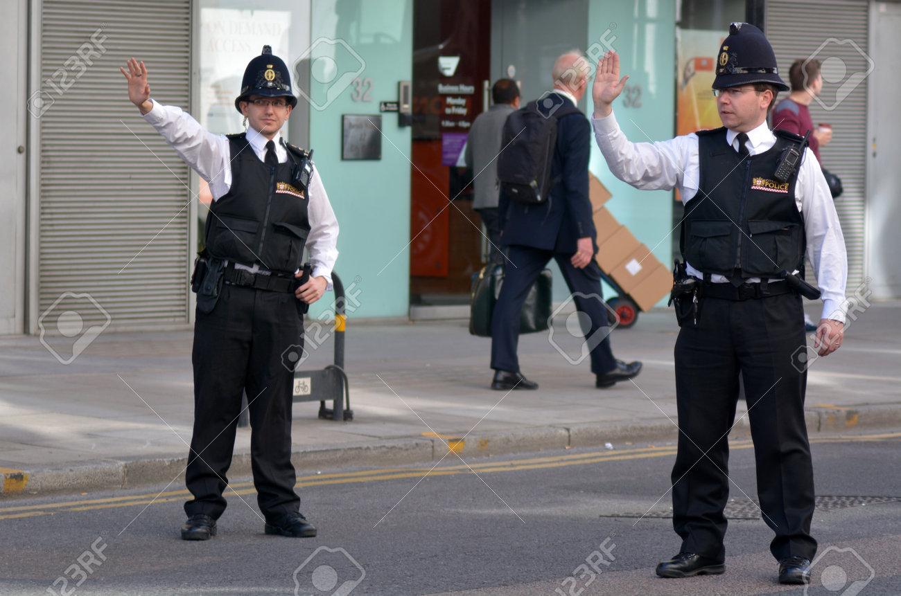 ロンドン - ロンドンの警察官の ...