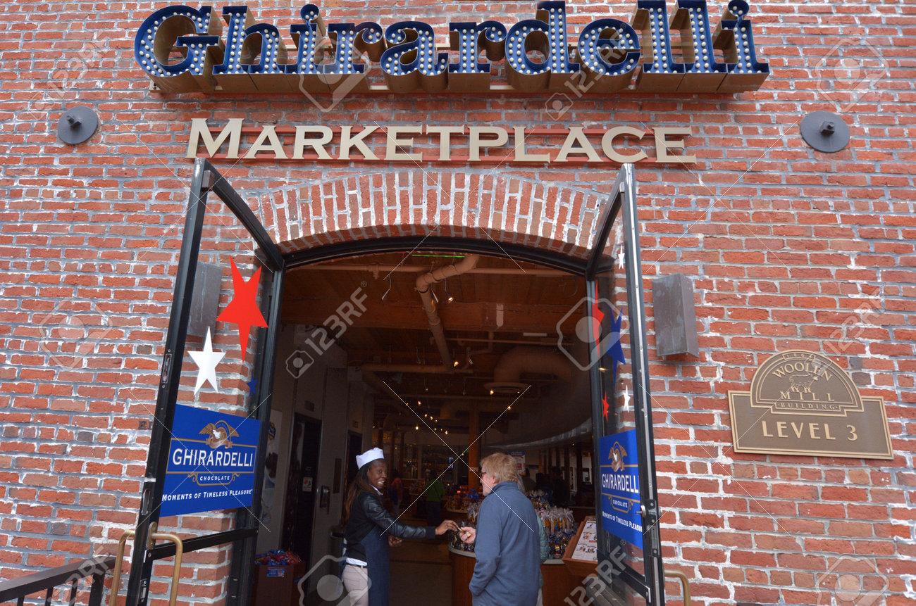 SAN FRANCISCO - MAY 15 2015:Ghirardelli Chocolate Company Shop