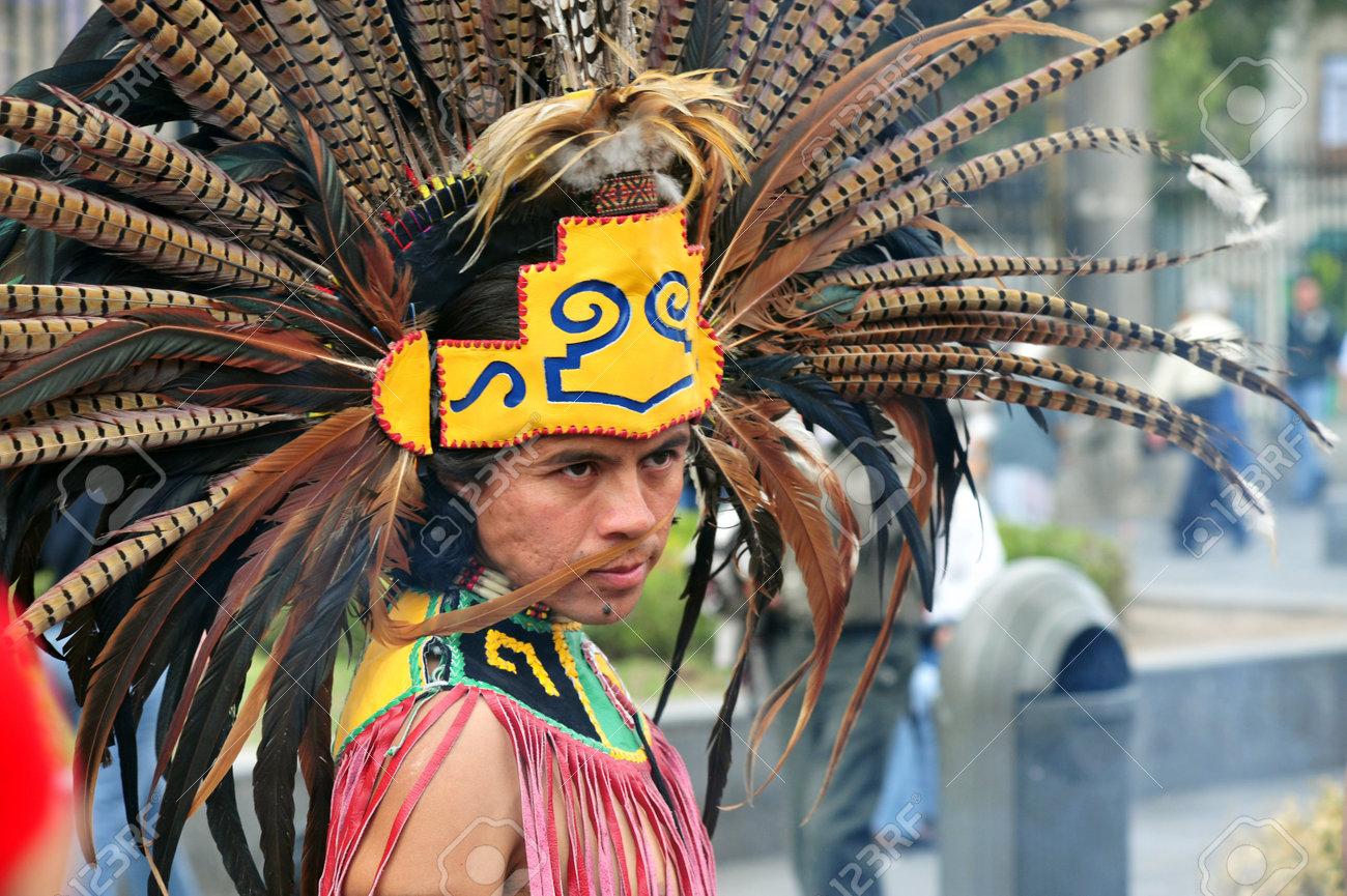 Ciudad Mexico Feb 23 Retrato De Hombre Indio Azteca Con Sus
